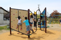 Many children wanted to try the climbing wall.