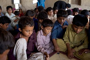 RS34989_SE1101EDIAZ_SAVETHECHILDREN_071.jpg